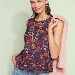 Cabi Lindsey top #5391.  Hard to find.  Small